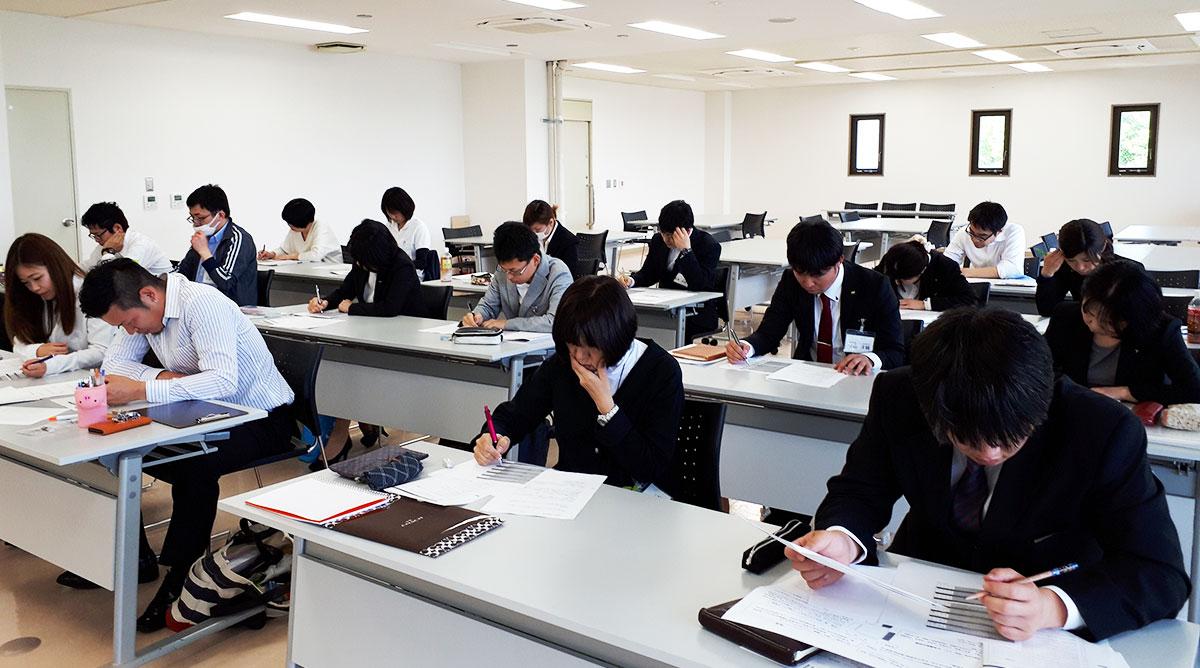 兵庫県社会福祉事業団介護福祉士実務者研修風景