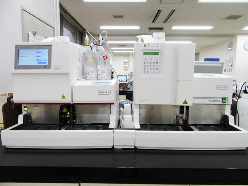 血糖・HbA1c測定装置の写真